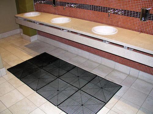 Tuff-Floors-Interlocking-Shower-mat-in-a-bathroom